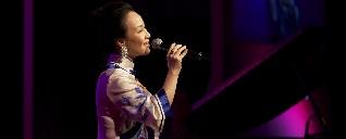 著名歌唱家王维倩,为本场演讲倾情献歌!